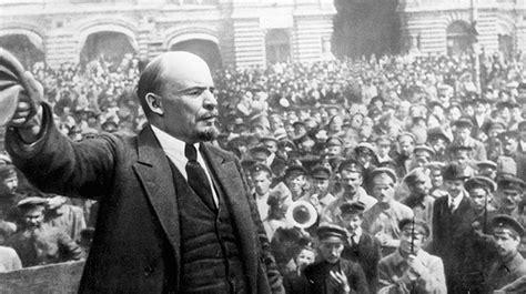 07/11/1917   Triunfa la Revolución Rusa   La Vidriera