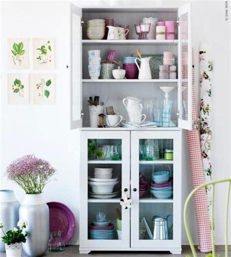 10 aparadores y vitrinas Ikea para decorar tu salón ...