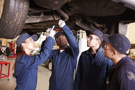 10 Best Entry Level Auto Mechanic Jobs | YourMechanic Advice