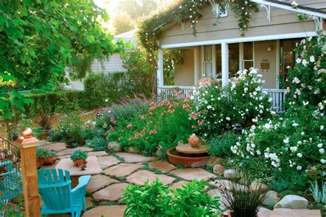 10 Cottage Gardens That Are Just Too Charming For Words ...