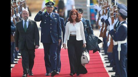 10 de MAR. Arribo de la Presidenta Cristina Fernández a ...