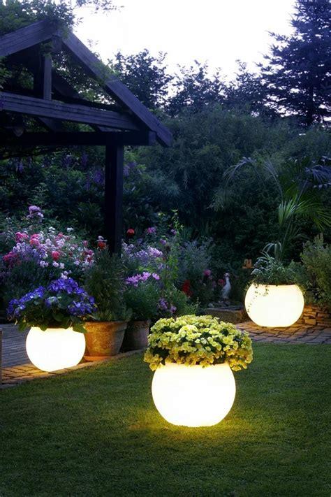 10 ideas y claves para la decoración de jardines exteriores