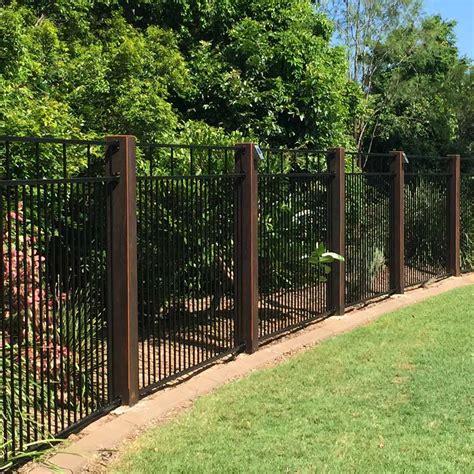 10 Modern Fence Ideas for Your Backyard — The Family Handyman