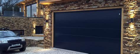 10 puertas de garaje modernas perfectas para tu casa ...