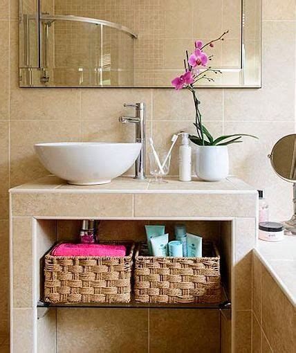 10 Spacious Ideas for Small Bathroom Design and Decor ...