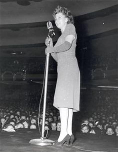 12 Best 1940 s Singers images   Singer, Hollywood, Old ...