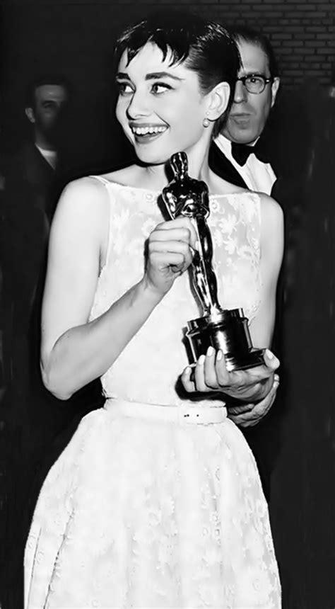 1285 best Audrey Hepburn images on Pinterest | Audrey ...