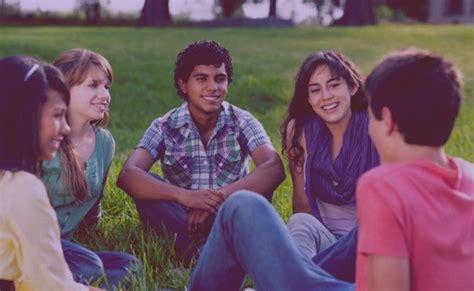 13 Dinámicas grupales para jóvenes  con juegos