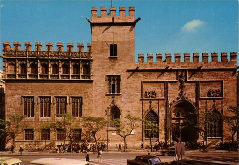 13 reasons why you should visit Valencia | Linguaschools ...