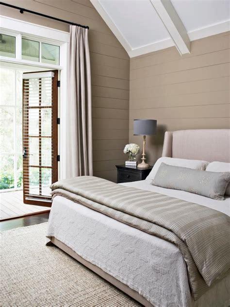 14 Ideas for Small Bedroom Decor | HGTV s Decorating ...