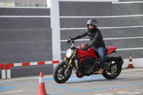 15 motoristas acuden al primer curso de Ducati Canarias en ...