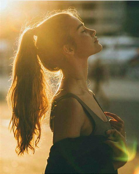 15 Poses para fotos de perfil que te ayudarán a lucir linda
