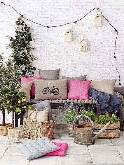 16 Ideas low cost para decorar balcones y terrazas ...