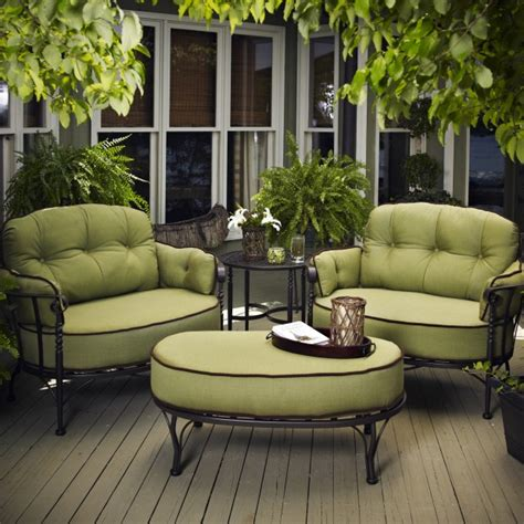16 Relaxing Patio Conversation Set Designs for Spring ...