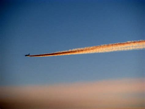 17 Examples of Chemtrails vs Contrails   Can You Tell The ...
