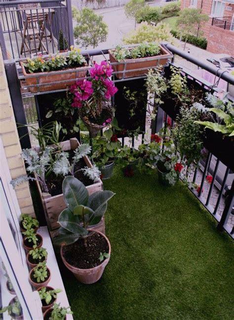 17 trucos para sacar partido a balcones pequeños | Jardín ...