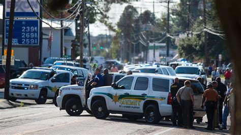 2 people, including police officer, killed in Louisiana ...