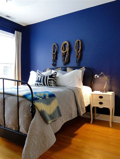 20 Bold & Beautiful Blue Wall Paint Colors | Blue painted ...