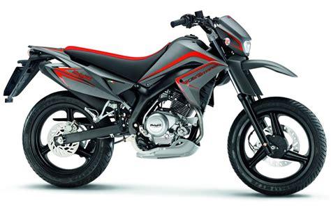 2009 Malaguti X3M 125 Enduro   Moto.ZombDrive.COM