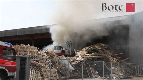 2011, März: Brand bei der Agro Energie Schwyz   YouTube