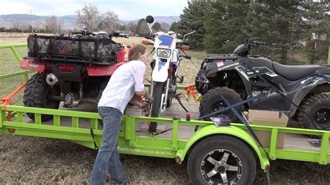 2016 Ford Platinum Explorer Towing ATV trailer using Bolt ...