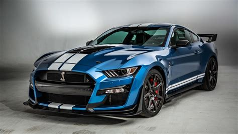 2020 Ford Mustang Shelby GT500 is a 700 horsepower Detroit ...