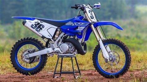 2021 YAMAHA YZ250X Review/interview with lead engineer ...