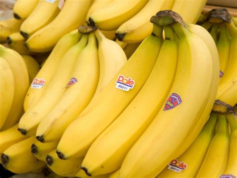 24 Science Backed Health Benefits of Bananas  #3 is WOW