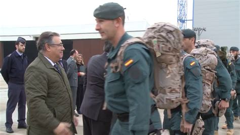 25 guardias civiles parten hacia Iraq   YouTube