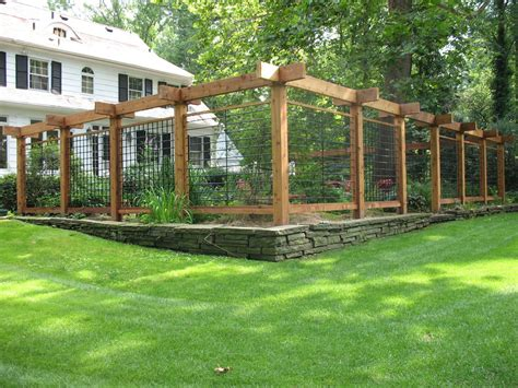 25+ Ideas for Decorating your Garden Fence  DIY    Fenced ...