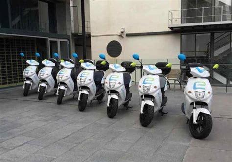 250 motos eléctricas en alquiler para Barcelona