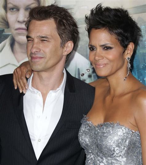 27 Stunning Halle Berry Photos   The Hollywood Gossip