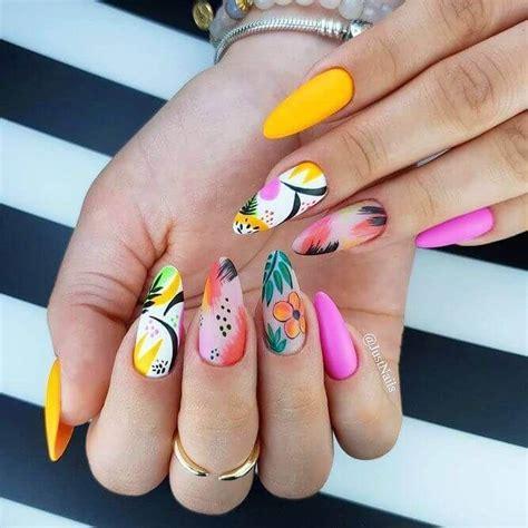 35 uñas brillantes y coloridas para el verano en 2020  con ...