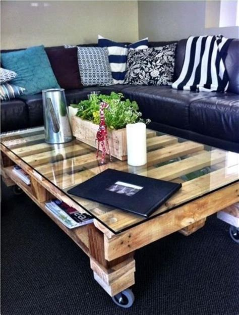 40+ Amazing DIY Pallet Tables | Home Design, Garden ...
