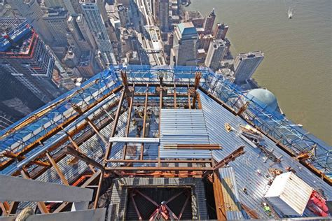 40 Incredible Pictures Of One World Trade Center Under ...
