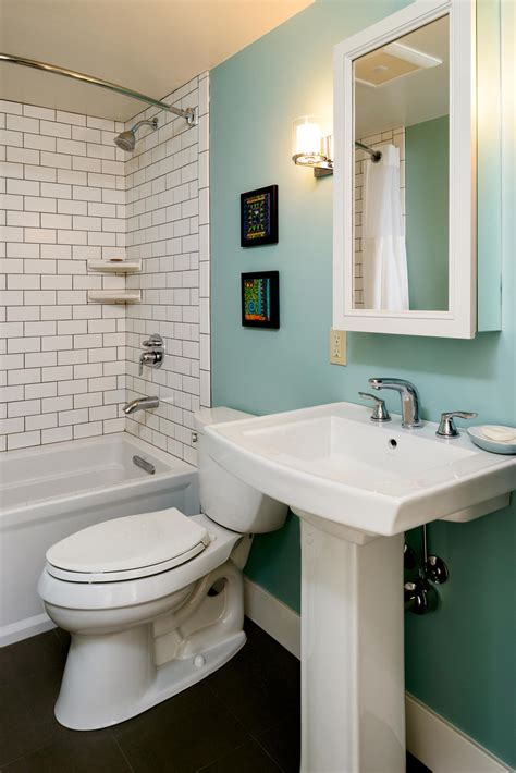 5 Creative Solutions for Small Bathrooms | Hammer & Hand
