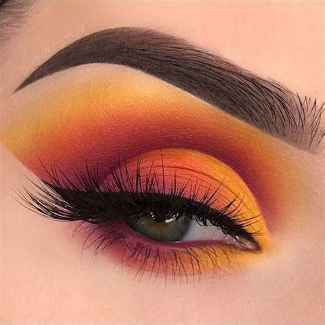 5 High Fashion Eye Makeup Looks We Dare You to Try in May   RY
