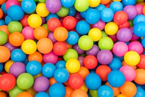 5 juegos divertidos para enseñar los colores a los niños ...