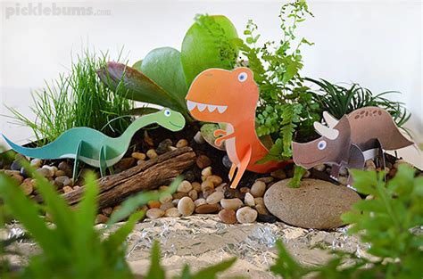 5 manualidades de dinosaurios para niños   Pequeocio