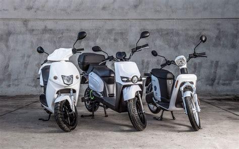 5 Tips para conducir motos eléctricas en Málaga
