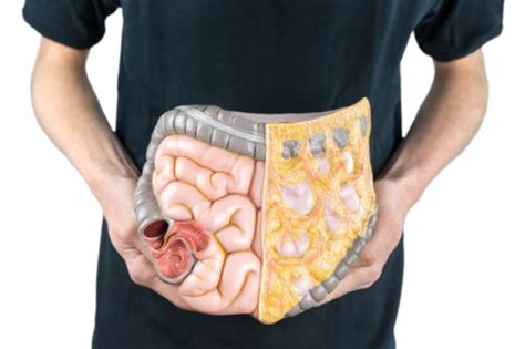 6 Early Warning Signs of Colon Cancer in Men