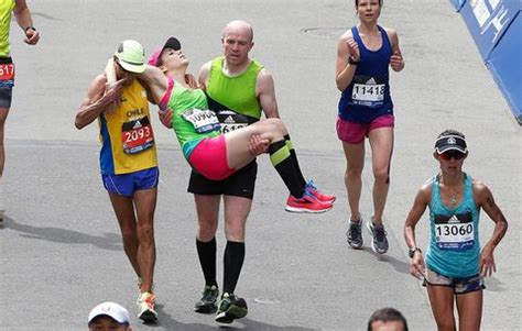 6 Triumphant Moments of Runners Helping Runners at the ...