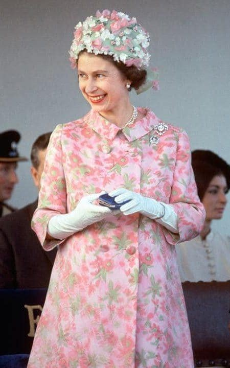 67 reigning years: a year by year account of the Queen s ...