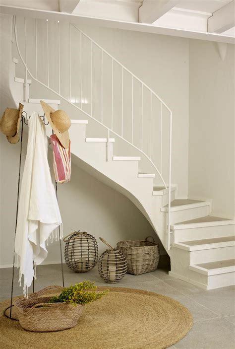 7. Perchero | Entrada | Recibidor con escaleras ...