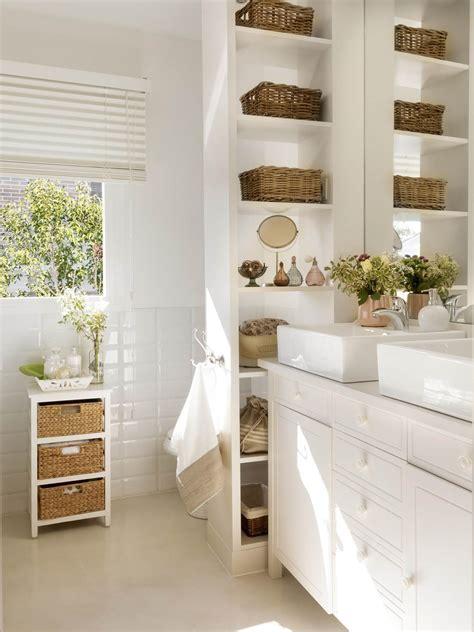 7 piezas imprescindibles para baños pequeños