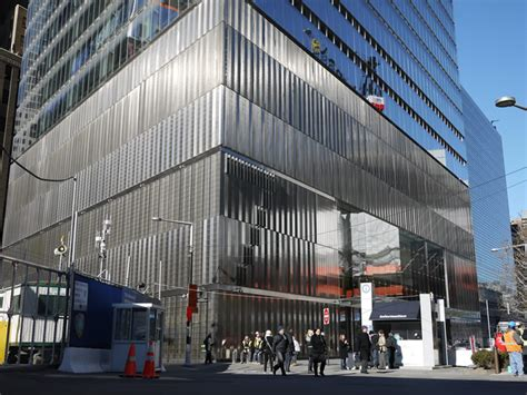 7 World Trade Center uses type 316 stainless steel