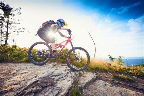 8 accesorios básicos para el ciclismo de montaña   la ...