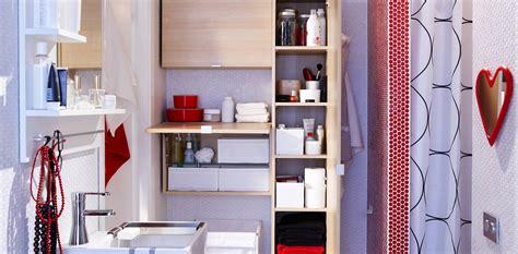 8 baños muy pequeños con un excelente uso del espacio