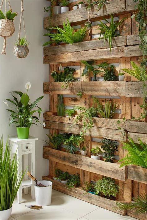 8 ideas para decorar el jardín con objetos reciclados ...