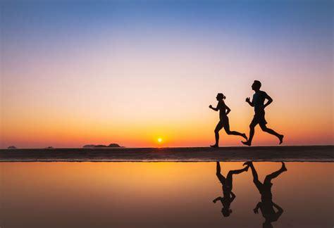 9 trucos para salir a correr por la mañana y no morir en ...
